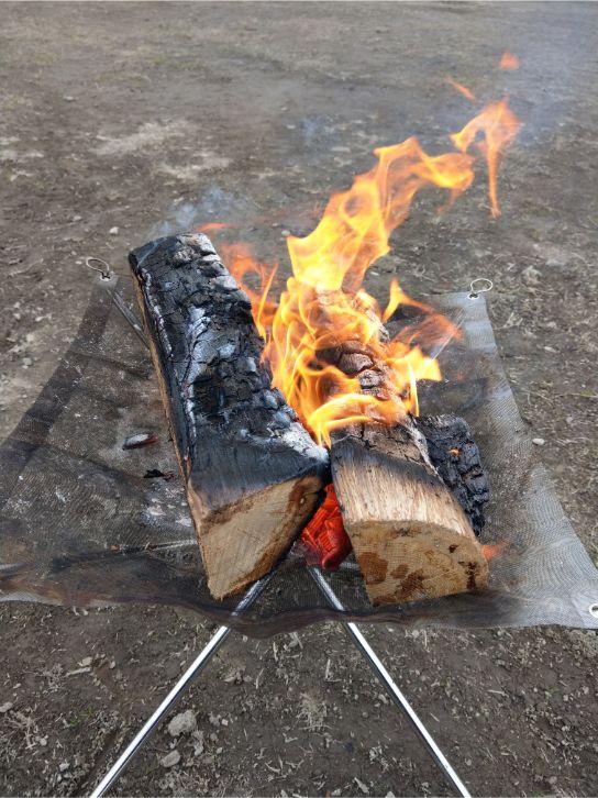 荒川岩淵関緑地バーベキュー場での焚き火
